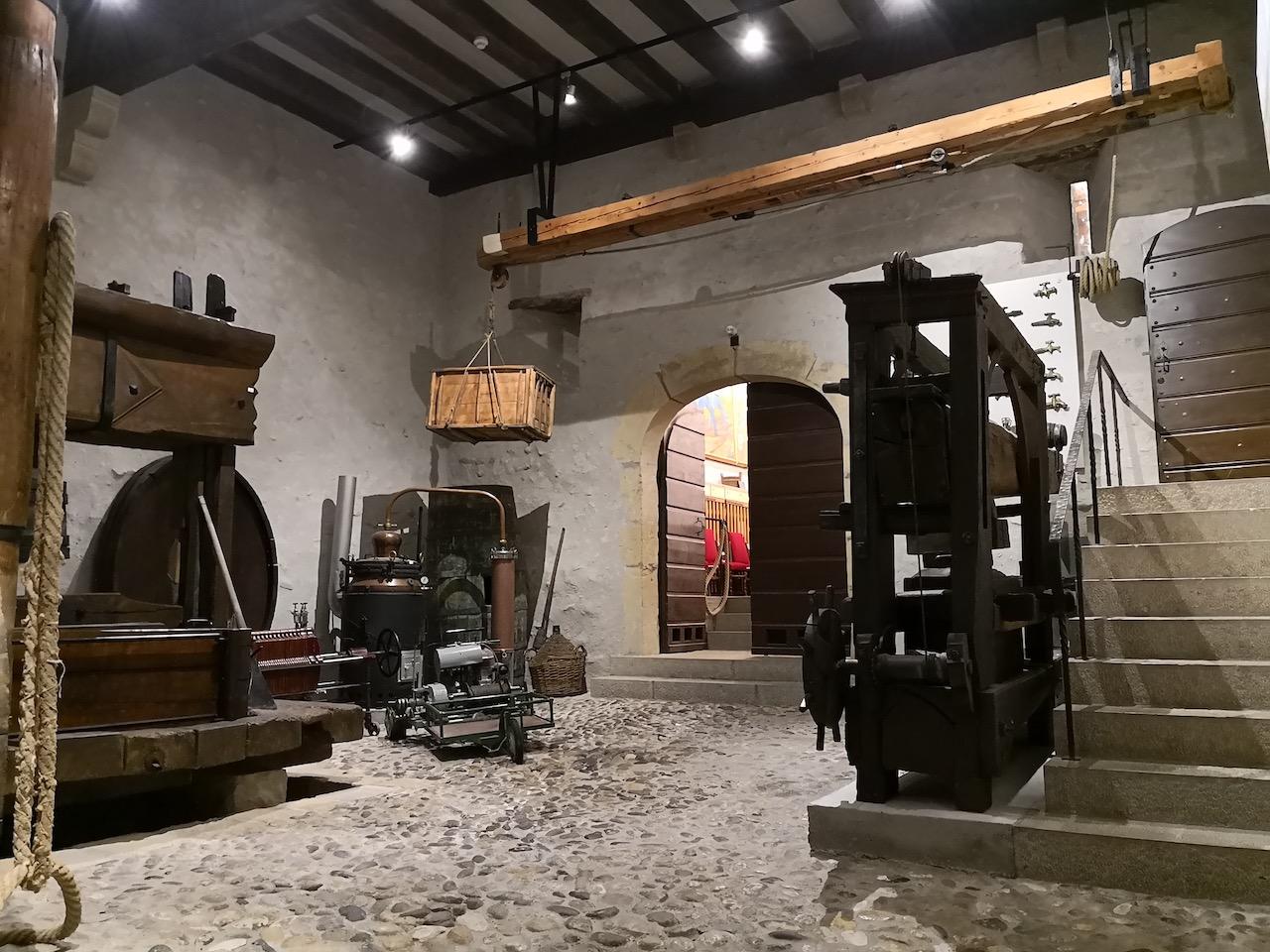 Weinkeller im Schloss Boudry