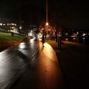 Strasse in Beckenried bei Nacht