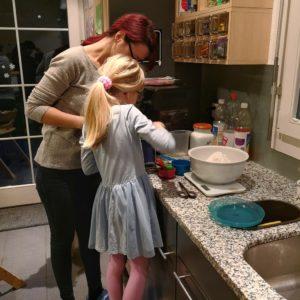 Pizzateig vorbereiten von Alexandra und Céline