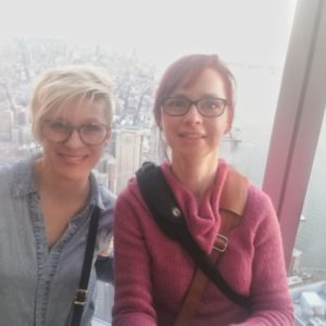 Selfie Alexandra und Priska vom One World Observatory