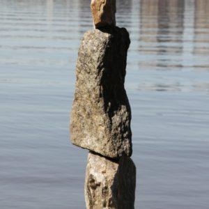 Steinmaennli allein mit Sicht auf Hudson River